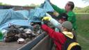 Řeka Lučina byla plná pneumatik a jiného odpadu. Ochránci ji vyčistili